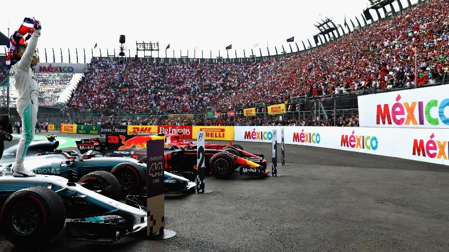 Lewis Hamilton comemora o tetracampeonato da Fórmula 1 - Mark Thompson/Getty Images/AFP