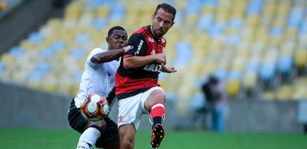 Everton Ribeiro foi vaiado pela torcida do Fla no clássico com o Vasco