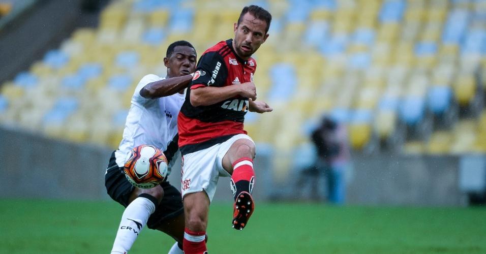 Everton Ribeiro e Wellington disputam bola em Flamengo x Vasco