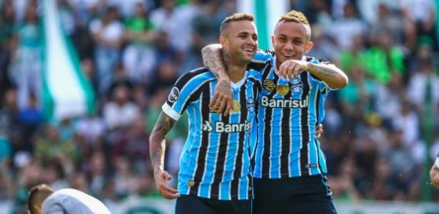 Grêmio em ação no Gauchão; clube vai inaugurar estádio no Uruguai durante a Copa - LUCAS UEBEL/GREMIO FBPA