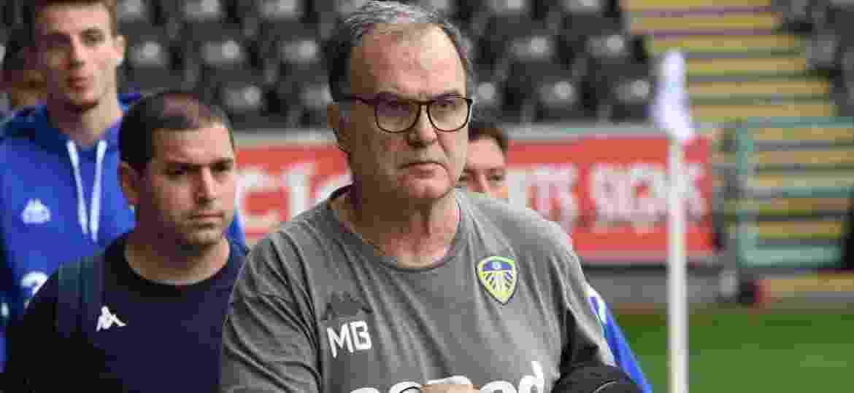 Marcelo Bielsa admitiu o uso de espiões, mas a Liga Inglesa decidiu multar o Leeds pela prática - Site oficial do Leeds United