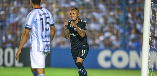 Everton fica no banco de reservas na partida entre Grêmio e River Plate -  LUCAS UEBEL/GREMIO FBPA