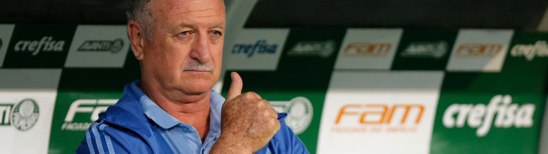 Felipão comanda o Palmeiras em jogo contra o Fluminense