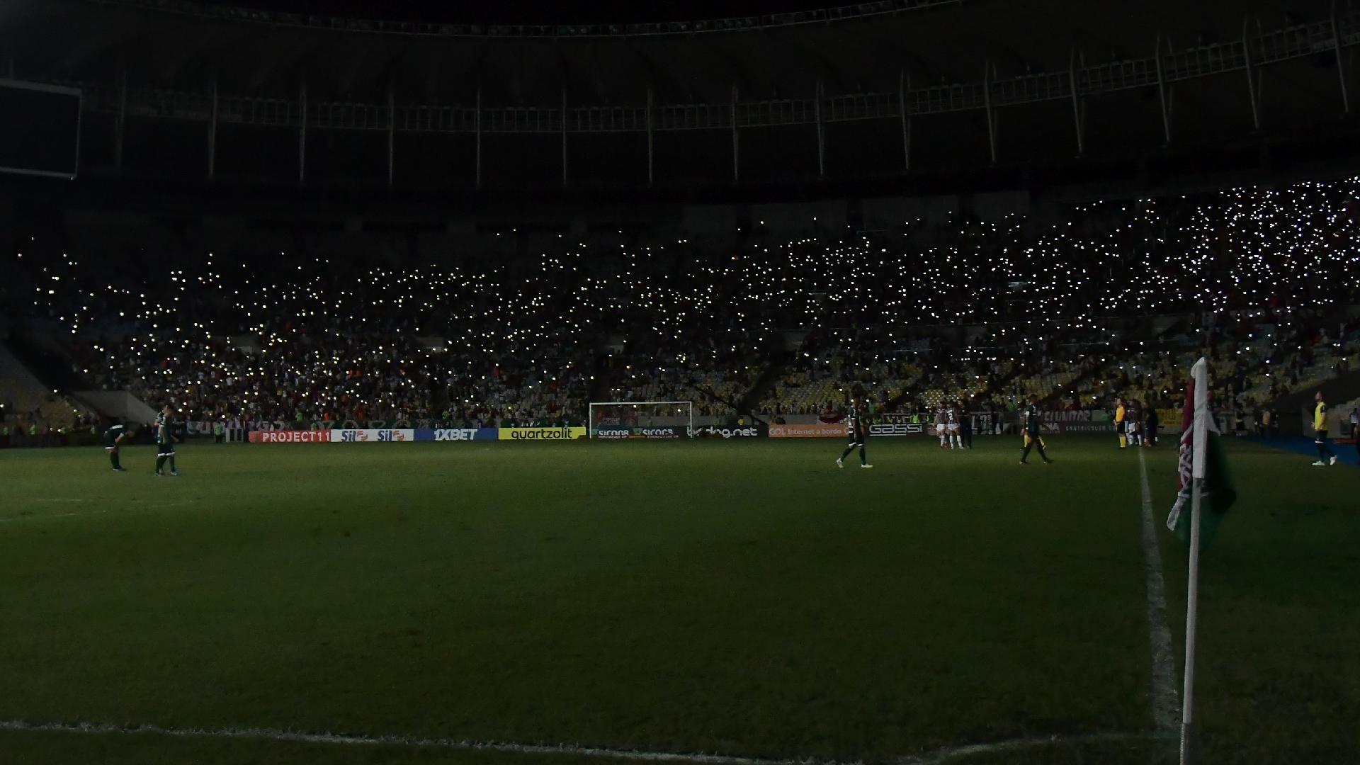 Falta de luz durante partida entre Fluminense e Goiás no estádio Maracanã pelo Campeonato Brasileiro 2019