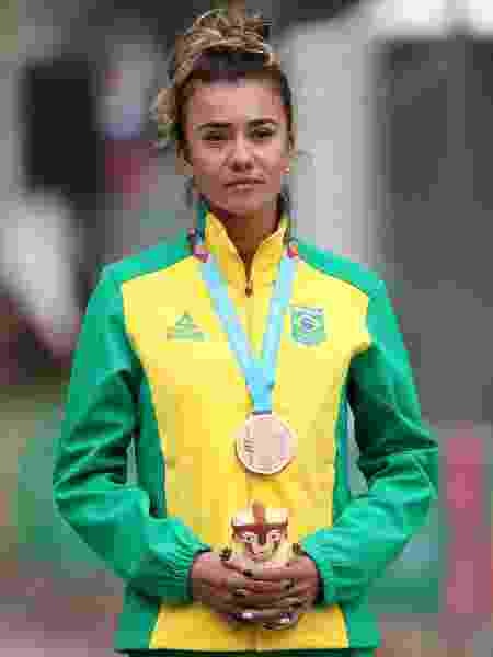Erica Sena com a medalha de bronze da marcha atlética no Pan de Lima - Sergio Moraes/Reuters