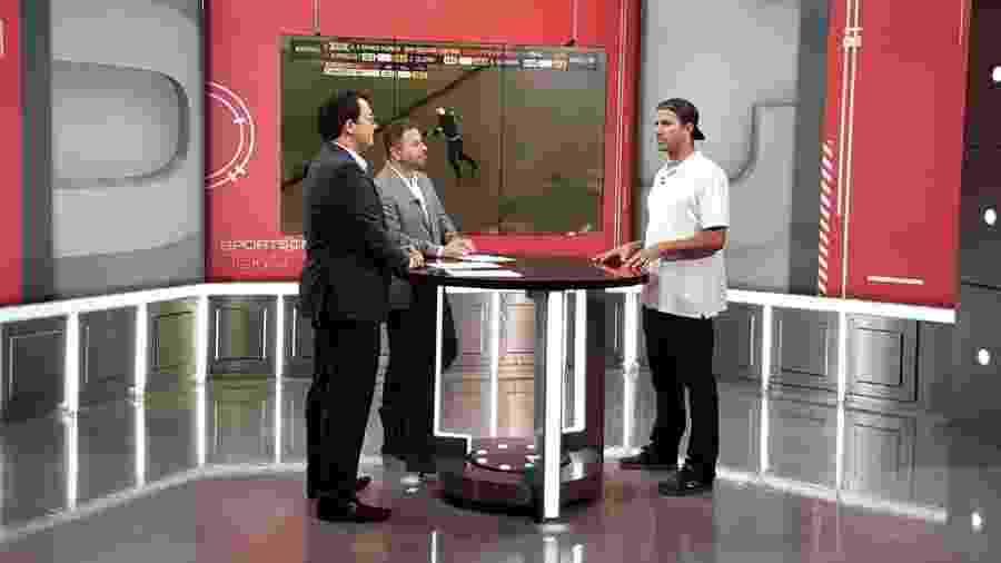 Bob Burnquist entrevistado por Mário Marra e Rogério Vaughan em um dos SportsCenter da ESPN - Reprodução