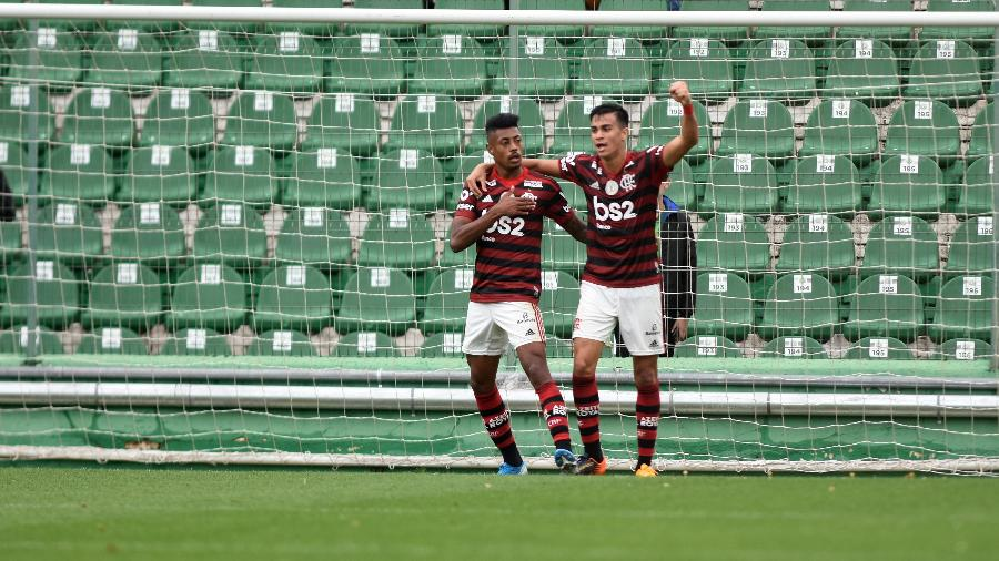 Jogadores do Flamengo comemoram gol contra a Chapecoense - Renato Padilha/AGIF