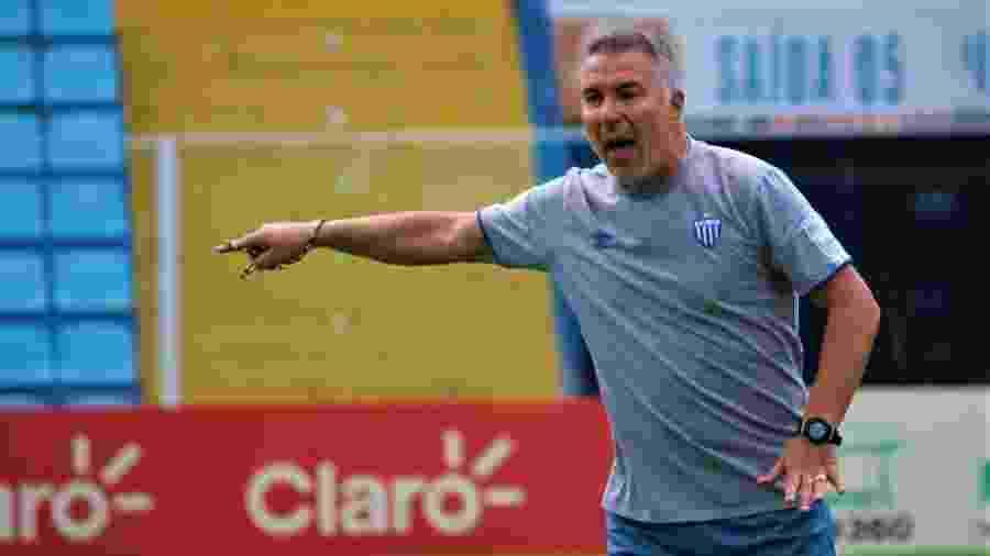 O treinador português Augusto Inácio enquanto ainda comandava o Avaí - André Palma Ribeiro/Avaí FC
