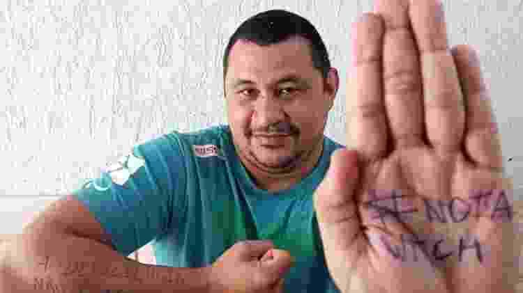 Clodoaldo Silva participa de protesto mundial contra filme Convenção das Bruxas - Arquivo Pessoal - Arquivo Pessoal