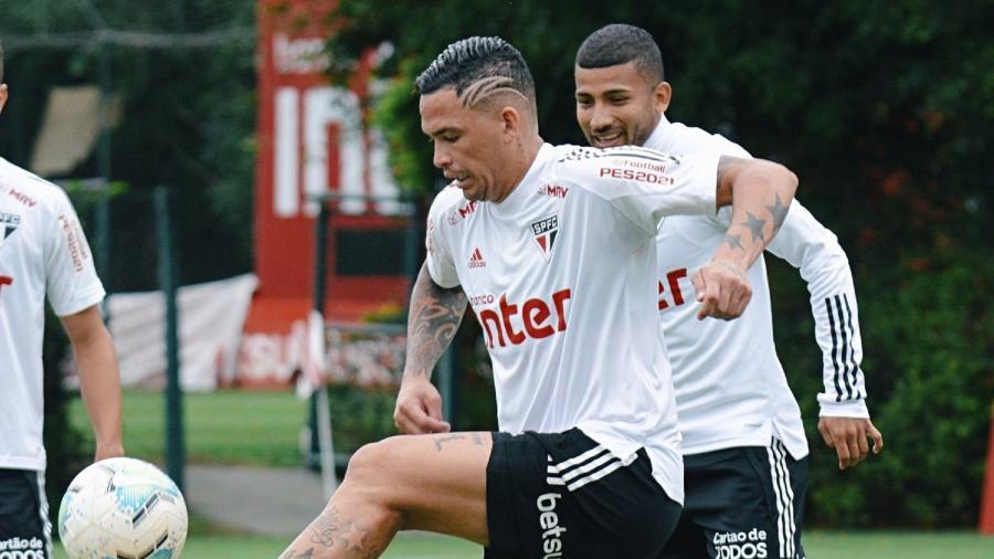 Luciano participa de treino pelo São Paulo no CT da Barra Funda - Divulgação/São Paulo