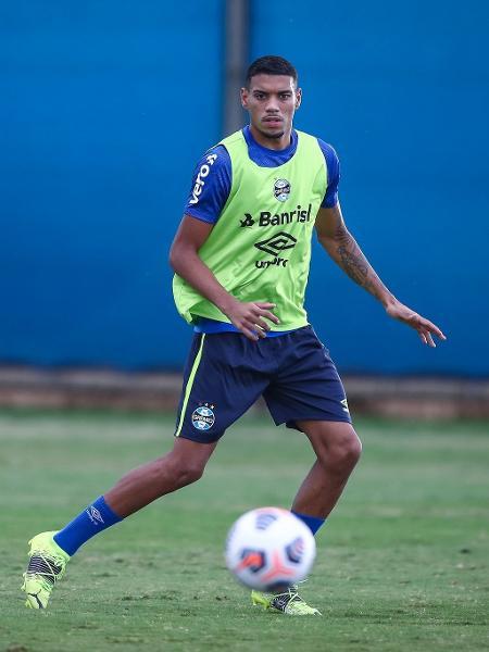 Ruan, de 22 anos, tem multa rescisória de 50 milhões de euros - Lucas Uebel/ Grêmio FBPA
