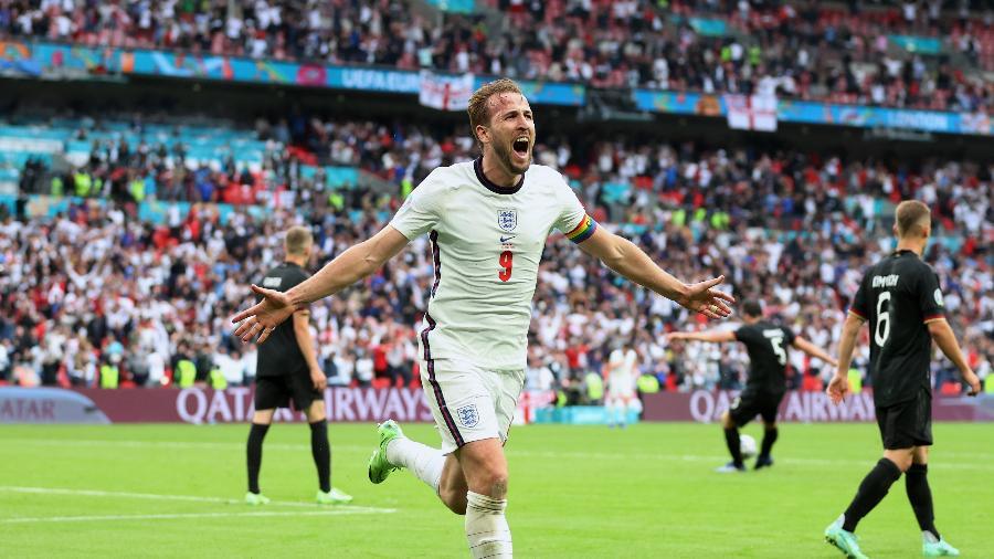 Harry Kane marcou o segundo gol da Inglaterra contra a Alemanha nas oitavas de final da Eurocopa - Catherine Ivill/Getty Images