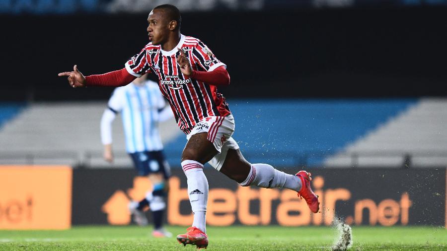Marquinhos comemora seu gol pelo São Paulo na Libertadores, contra o Racing - Staff Images / CONMEBOL