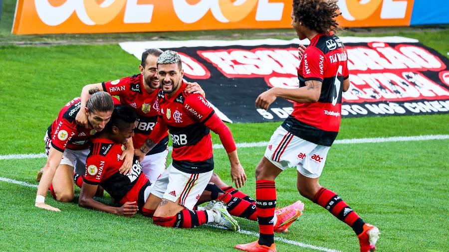 Flamengo comemora gol marcado contra o Corinthians - Marcello Zambrana/AGIF