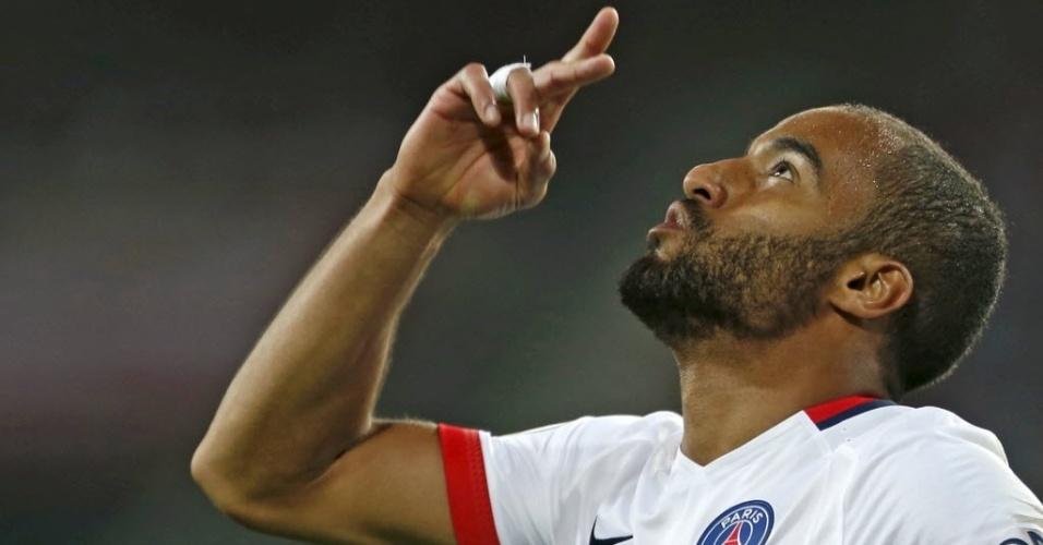 Lucas comemora gol do PSG contra o Lille na abertura do Campeonato Francês