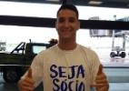 Torcida do Cruzeiro vai ao aeroporto e faz festa para receber Thiago Neves - Cruzeiro/Divulgação