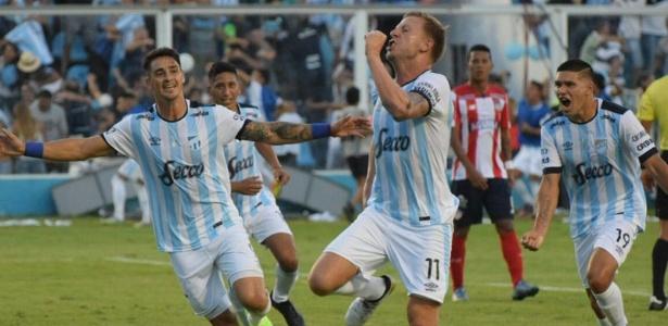 Argentinos abriram 3 a 0 no primeiro tempo; no segundo, Junior diminuiu