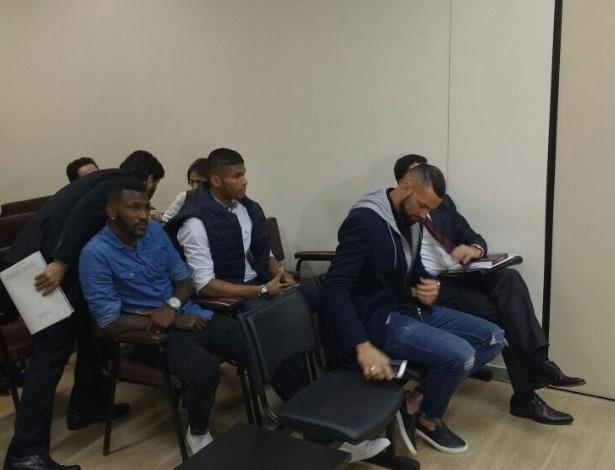 Weverton e Douglas Coutinho no dia do julgamento no TJD-PR