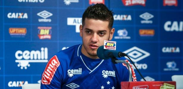 Alexis Messidoro deve estrear pelo Cruzeiro diante do Londrina-PR, pela semifinal da Primeira Liga