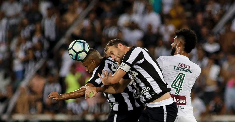 Botafogo levou a virada contra o Fluminense