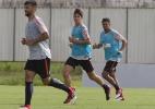 Carille faz cinco mudanças no Corinthians e dá chance a reforços