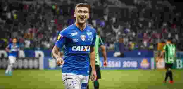 Arrascaeta tem oferta do Flamengo para ir ao Ninho do Urubu. Jogador quer deixar o Cruzeiro - Vinnicius Silva/Cruzeiro E.C.