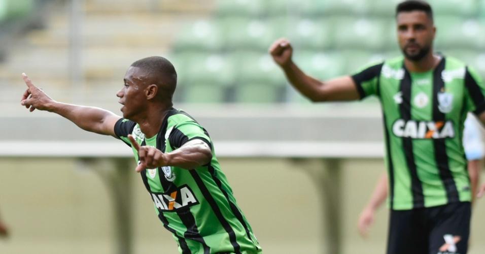 Juninho comemora gol do América-MG contra o Grêmio