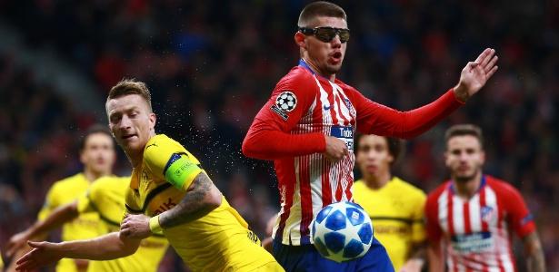 Montero (dir.) joga de óculos há mais de um ano, quando sofreu lesão no olho esquerdo - Gonzalo Arroyo Moreno/Getty Images