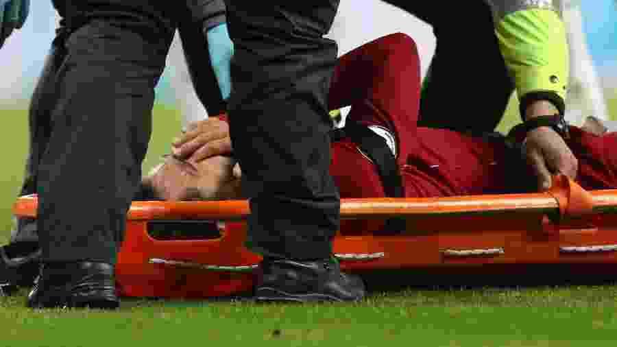 Salah deixou campo de maca durante Newcastle x Liverpool - REUTERS/Scott Heppell