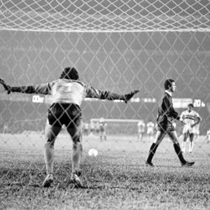 Arnaldo apita decisão do campeonato brasileiro de 1977 entre São Paulo e Atlético-MG. Foto: Agência Estado