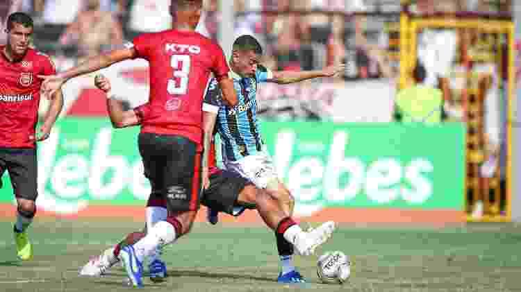 Patrick tenta conclusão durante Brasil-PEL x Grêmio, pelo Campeonato Gaúcho - Lucas Uebel/Grêmio FBPA - Lucas Uebel/Grêmio FBPA