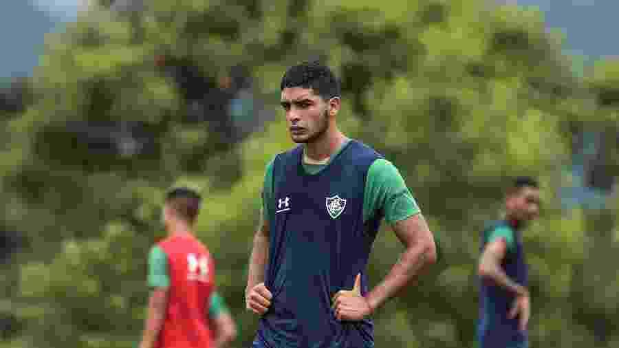 Uruguaio Michel Araujo, de 23 anos, teve poucas oportunidades no Fluminense até aqui - LUCAS MERÇON / FLUMINENSE F.C.