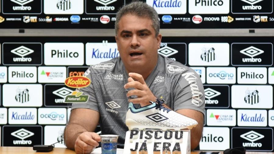 Orlando Rollo tem menos de 30 dias até o fim do seu mandato à frente do Santos - Ivan Storti/Santos FC