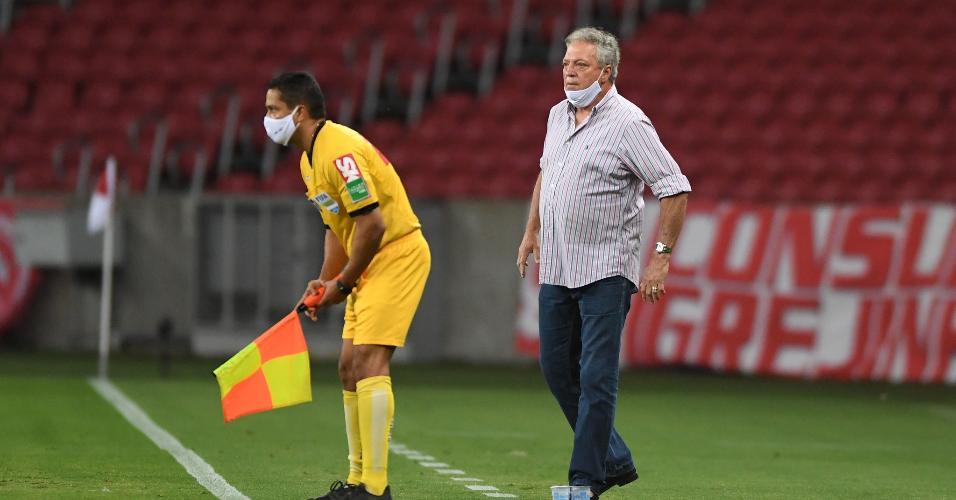Abel Braga volta a comandar o Internacional na partida contra o América-MG