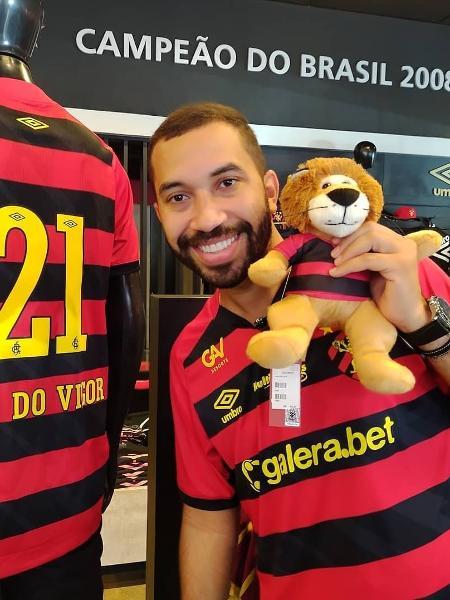 Ex-BBB Gil do Vigor posa com a camisa do Sport - Reprodução