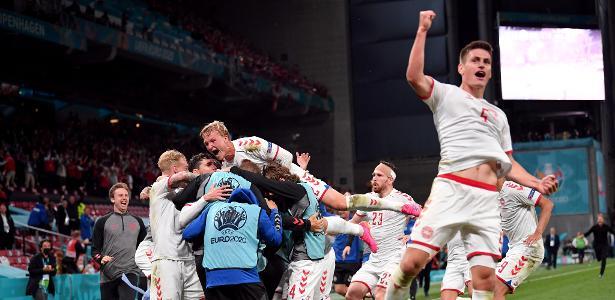 Muita comemoração | Dinamarca goleia Rússia por 4 a 1 e avança na Euro