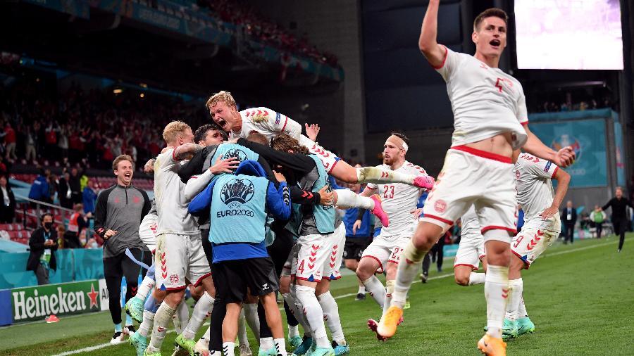 Dinamarca comemora gol contra a Rússia no último jogo da fase de grupos da Eurocopa - Pool via REUTERS