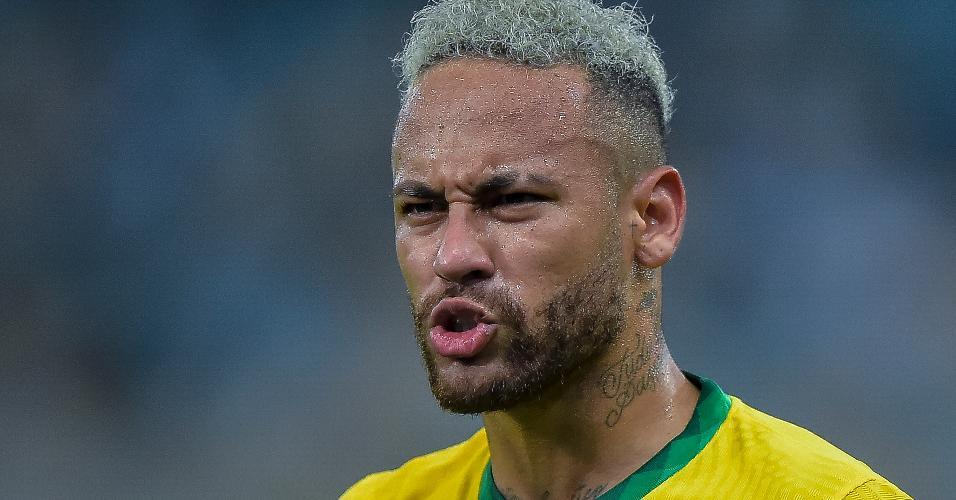 Neymar esbraveja durante a final da Copa América entre Brasil e Argentina, no Maracanã