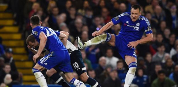 Terry renovará por uma temporada com o clube de Londres