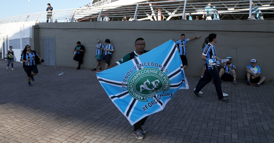 Torcedor deu um jeito de misturar Chapecoense e Grêmio para acompanhar a final