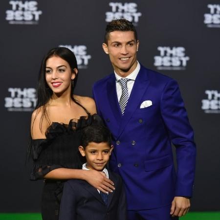 Cristiano Ronaldo ao lado da namorada, Georgina Rodriguez - AFP PHOTO / MICHAEL BUHOLZER