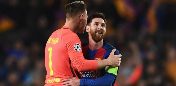 O goleiro atribui parte de seu crescimento aos treinos com Messi, Neymar e Suárez