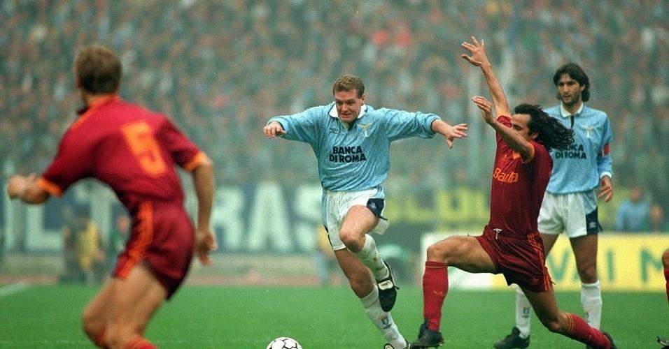 Itália atraía os melhores de ligas rivais da Europa. A Lazio teve o inglês Gascoigne no começo dos anos 90
