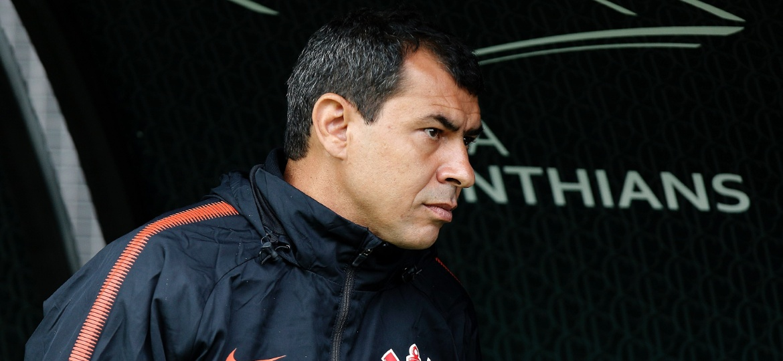 Fabio Carille em ação pelo Corinthians; treinador vai ganhar cinco vezes mais na Arábia - Daniel Vorley/AGIF