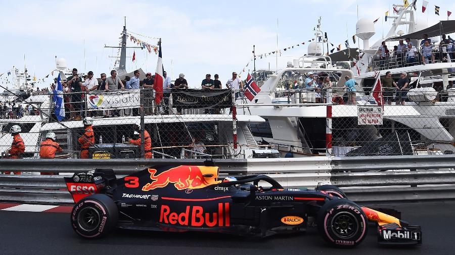 Daniel Ricciardo durante segunda sessão de treinos livres - Boris Horvat/AFP