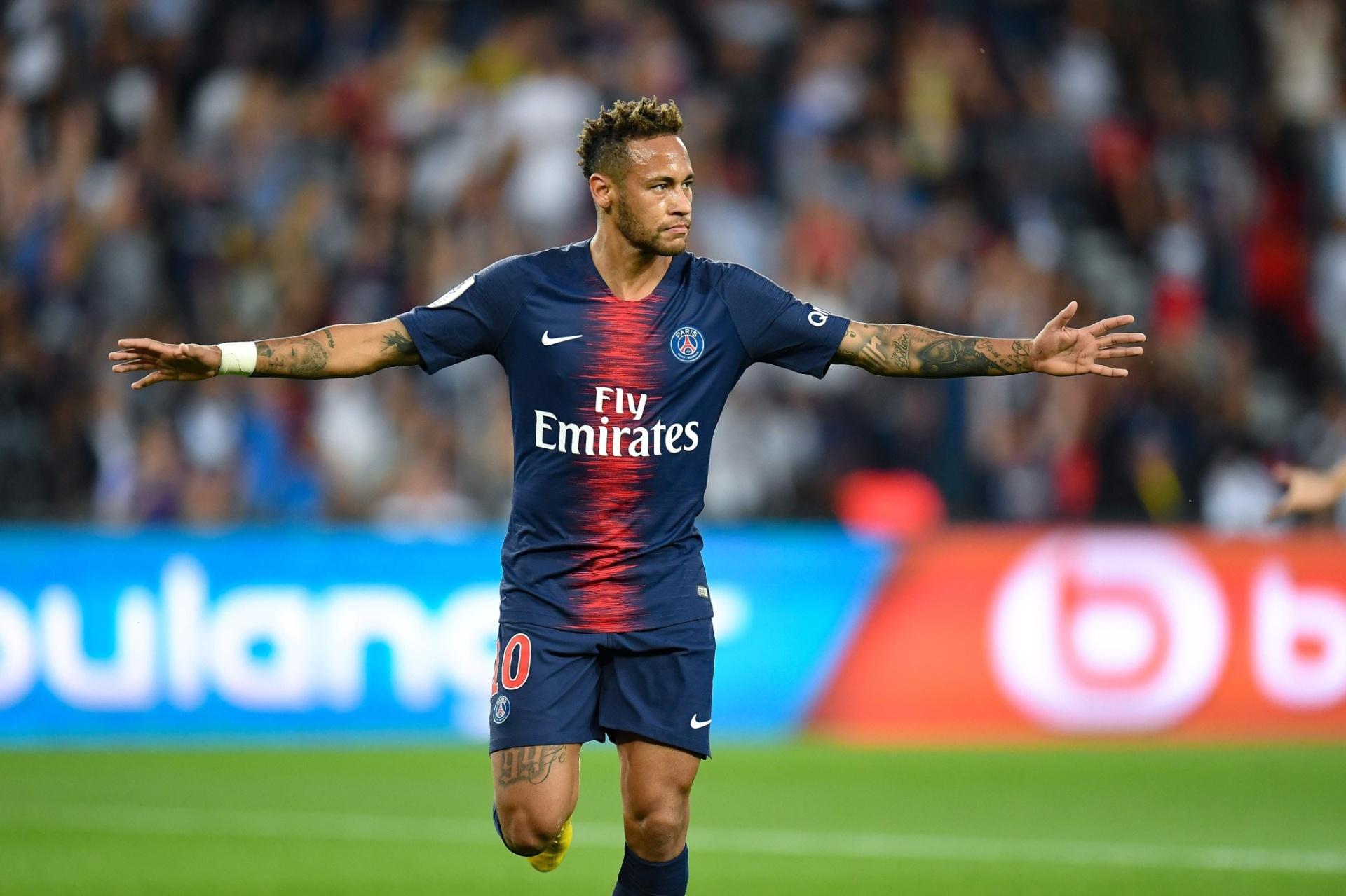 Neymar marca em 9min e PSG estreia com vitória no Francês - 12 08 2018 -  UOL Esporte dd7751a0eb1e6