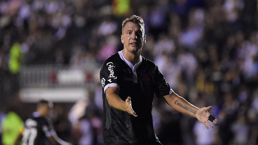 Maxi López está com sinusite e dificilmente terá condições de encarar o Boavista neste sábado - Thiago Ribeiro/AGIF