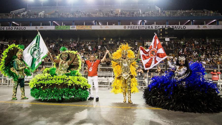 Mancha Verde e Dragões da Real fazem ação em conjunto no desfile das campeãs do carnaval de São Paulo  - VAN CAMPOS/FOTOARENA/FOTOARENA/ESTADÃO CONTEÚDO