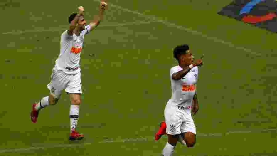 Júnior Urso foi o autor do primeiro gol do Corinthians na visita ao Ceará pela Copa do Brasil - LC MOREIRA/ESTADÃO CONTEÚDO