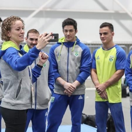 Yane Marques ao lado dos ginastas do Brasil no Pan - Reprodução/Instagram